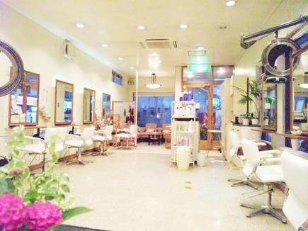 ファッションヘアワールド 玉川学園店の写真