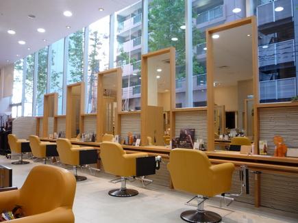 hair&make Sofa 仙台駅前店の写真