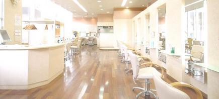 eim CAZL 横川店の写真